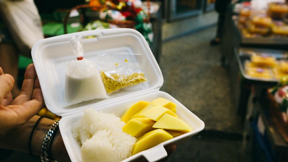 mango-sticky-rice-thong-lor-mae-varee-fruit-shop-8